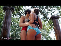 When Girls play - Two yoga babes kiss