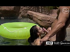 Noelle Easton and Kissa Sins Are All Wet for Jo...