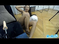 teen black college babe trying to squirt with h...