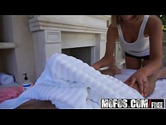 Mofos - Pornstar Vote - August Amess Oiled Up T...