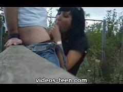 mexicana sale de la escuela a mamar verga
