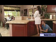(kendra lust) Naughty Housewife With Round Big ...