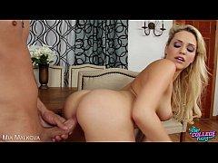 College babe Mia Malkova take cock