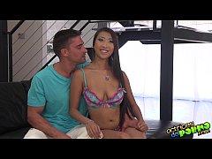 El cuerpazo de la asiatica Sharon Lee- Asian gi...