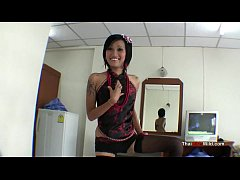 Superb blowjob by a sexy Thai hooker