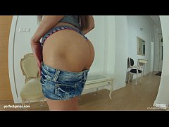 Givemepink Cute slut plays with herself in the ...