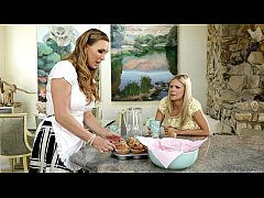 Scarlet Red and Tanya Tate at Mommy's Girl