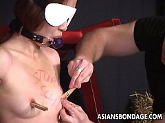 Captivating Japanese hottie moans while being w...