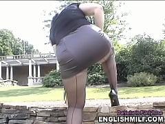 Seamed pantyhose ass short skirt outdoor public...
