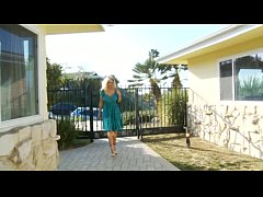 Julia Ann - MILF Next Door 4 - Scene 5