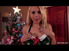 Alix Lynx Christmas Blowjob