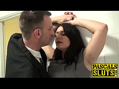 Brunette MILF Sopie Garcia gets squirting for t...