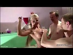 German Teeny wird von alten Typen im Sandwich gefickt