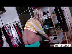 Lilith thrusts her boyfriends big dick on her j...