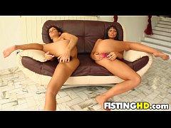 Fisting Hoes Simona & Virginia