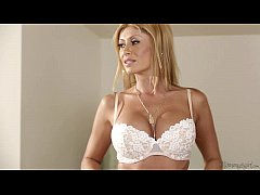 Busty Mommy Lisa Daniels and Veronica Rodriguez