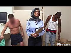 Mia Khalifa the Arab Pornstar Measures White Co...