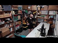 Sexy Brunette Ivy Aura The Shoplifter