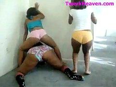 Goonies Squad Twerking To Gucci Mane - Ayye