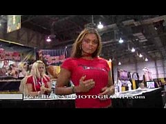 Play MP4 - Big Kat's AVN footage
