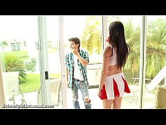 Cheerleader Gets Knocked Up After Unprotected S...