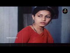 Desi Village Girls Hot Cleavage Show