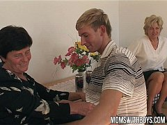 Mature Ladies Teaches A Young Boy With Sex Educ...