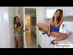College babe Kimmy licks and fingers her moms p...