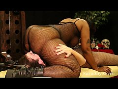 Sara Jay Gets Kinky with Cherokee