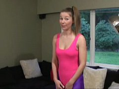 ineed2pee candi pees in her spandex
