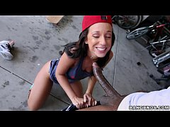 Babe Jada Stevens knows how to handle a Big Bla...