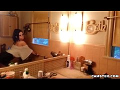 Gorgeous Goth Camgirl Showers and Masturbates D...