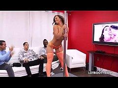 Fat booty beautiful babe Kelsi Monroe dancing a...