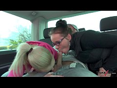 Blonde stranger see Wendy Moon squirt on big co...