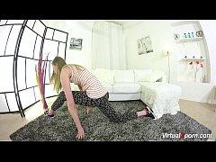 virtual gymnast teen stretching
