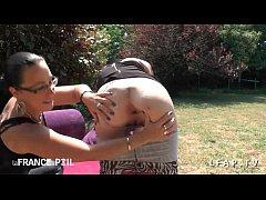 casting amateur jeune petite francaise aux petits seins demontee sur le canap