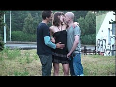 Sensacional PUBLIC group sex teen threesome orgy with a cute young blonde girl