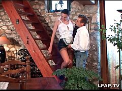 La femme de menage francaise se fait ramoner le...