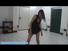 Teen lapdancer does a sexy stripshow