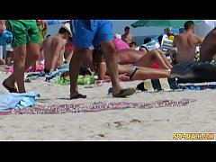 Horny Topless Amateurs MILFs - Hot Voyeur Beach...