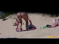 Big PUSSY Lips Close-Up Voyeur Beach Amateurs M...