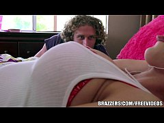Brazzers - Friends Hot lil sister, Dylan Phoenix