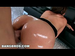 MILF Raylene Visits BangBros for Her First Crea...