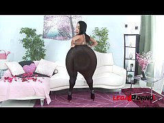 Big booty latina hoe Monica Santiago loves brut...