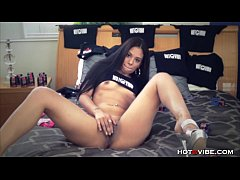 Exotic Young Camgirl Toying
