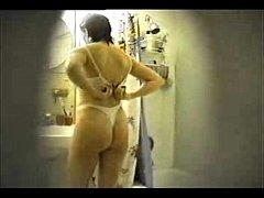 Naked Preity Zinta Full Shower LEAKED!