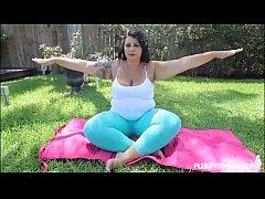 Big Booty Latina Diana Nicole Stretches Her Fat...