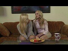 Do you like older woman? - Melissa May, Simone ...