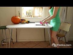 Yanks Girl Anne Pulsating Her Snatch