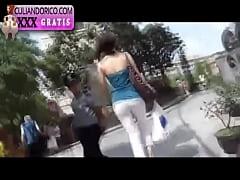 Culona argentina pillada por la calle